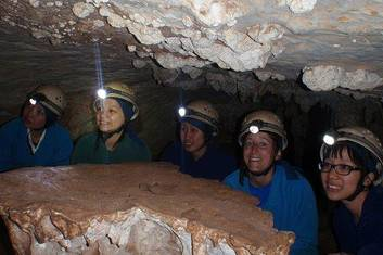 AAT Kings Blue Mountains & Jenolan Caves Tours (J32)